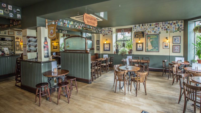 Town Street tavern, 21 of the Best First Date Bars in Leeds