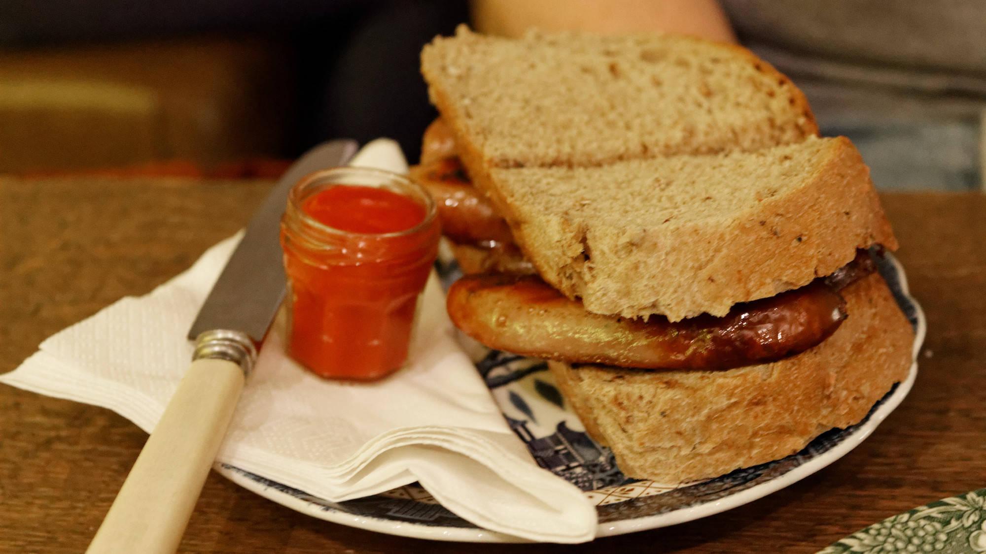 Sausage sandwich, Mrs Atha's